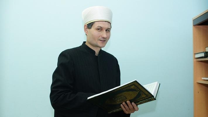 Имаму Самарской соборной мечети